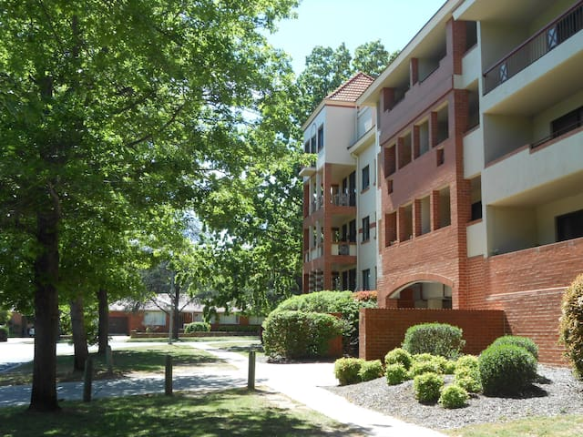Apartment next Canberra City Centre - Reid - Appartement
