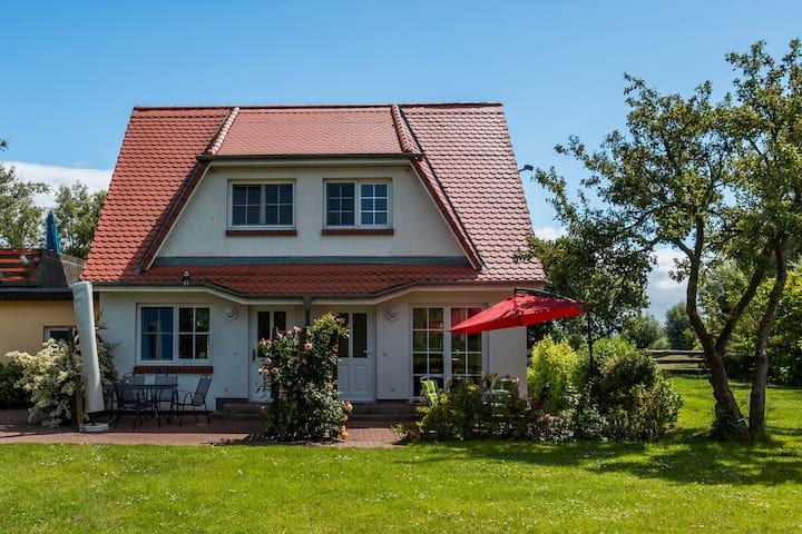 beautyful Apartment at the sea  - Ahrenshoop - Casa