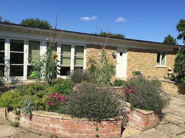 New annexe of 18th Century property - Charney Bassett