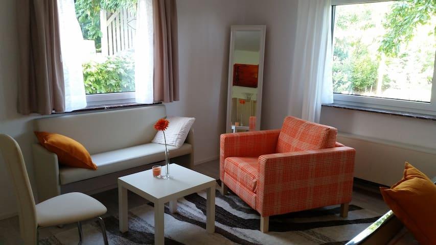 Independent apartment, cozy & calm, near Stuttgart - Ludwigsburg - Leilighet