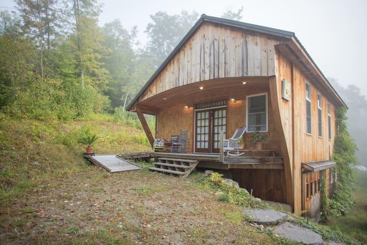 Vermont Botanical Studio Apartment - Putney - Hus