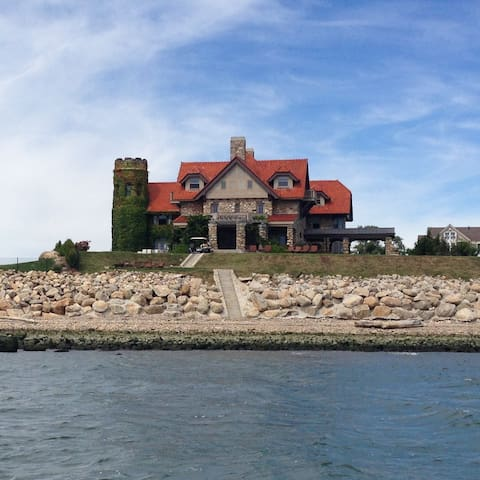 Hartlands Castle at Cornfield Point - Old Saybrook - Hus