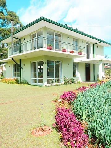 A Lovely Home- Lawsons Ridge Nuwara Eliya. - Nuwara Eliya - Huis