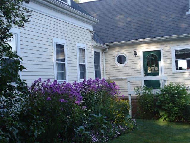 Charming Saltwater Farm apartment - Brunswick - Apartamento