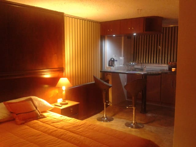 Nice Room I BATAN ALTO Normandie Guest House - Quito - Guesthouse