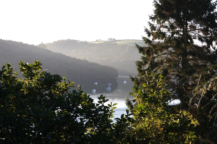 Tranquil Retreat on Fowey Estuary - Golant - Hus