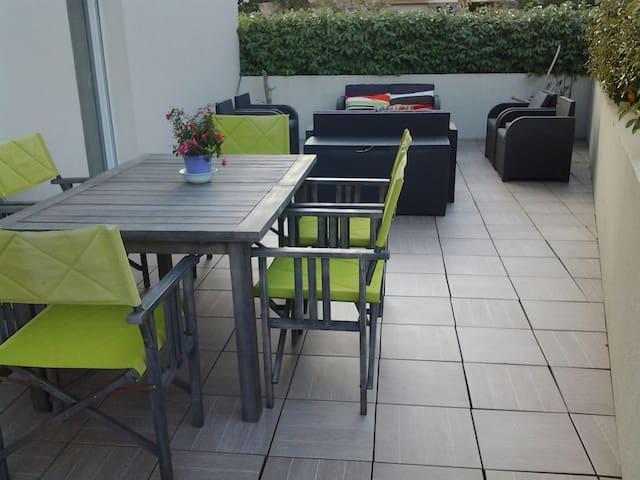 Pied à terre à 5 mn du cœur historique de la ville - Fréjus - Appartamento