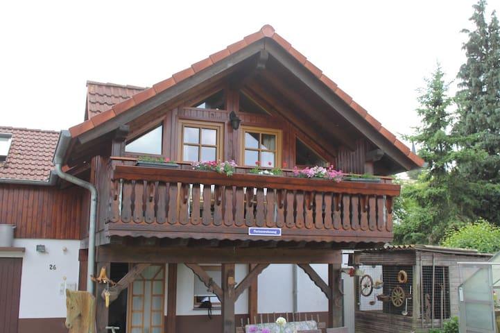kompl. Ferienhaus | 100 m² - 2 Etagen bis 5 Pers. - Ortenberg - Hus