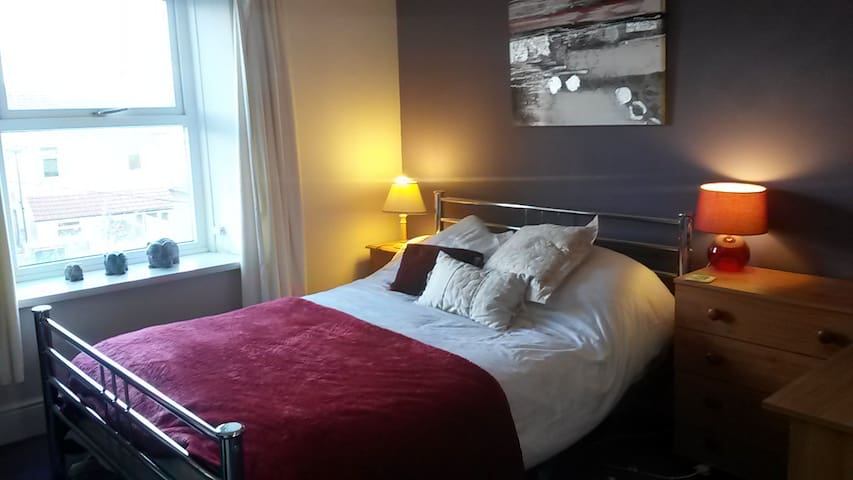 Double room £45 per night with breakfast - Caerphilly