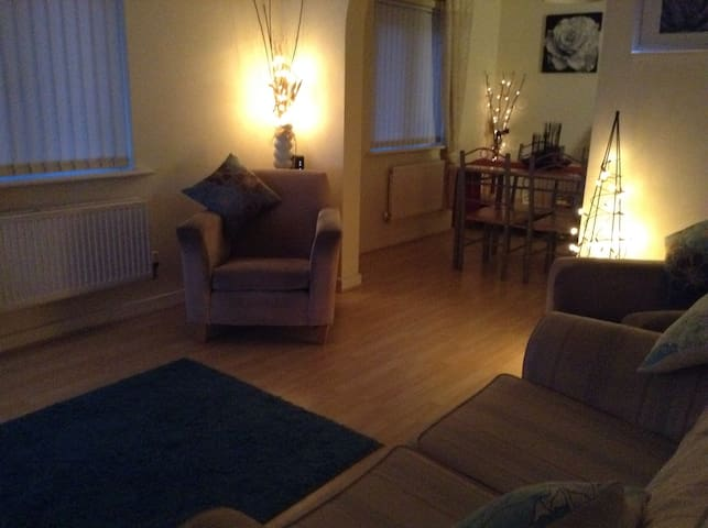 Cosy 1BD Rugby World Cup Flat - Caerphilly