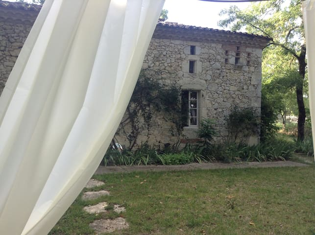 Peaceful, Charming House with Swimming Pool - Saint-Maurin - Hus