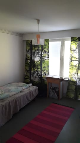 Kerrostaloasunnon vierashuone - Mänttä - 公寓