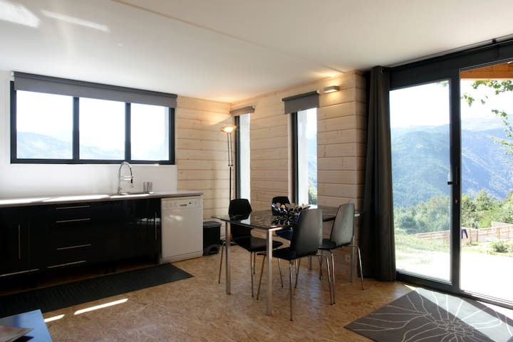 Appartement With Stunning View - Ignaux - Leilighet
