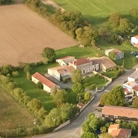 Quiet cottage near La Rochelle - Saint-Médard-d'Aunis