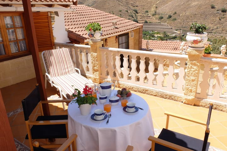 Casa Canaria entre Mar y Montañas! - Urbanización la Suerte - Casa