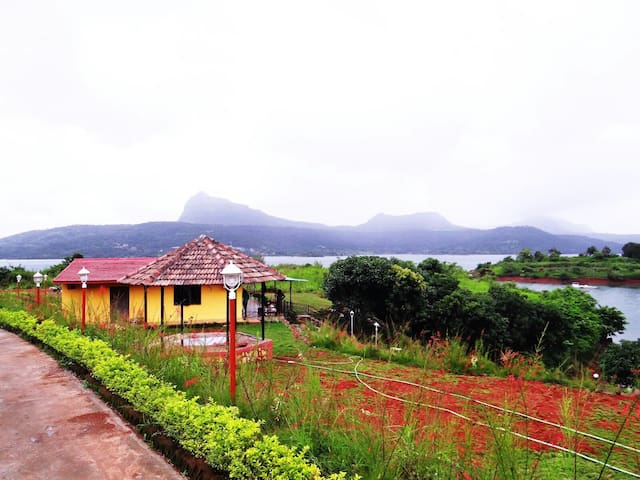 Lake touch villa at Pavana - Lonavala - Dom