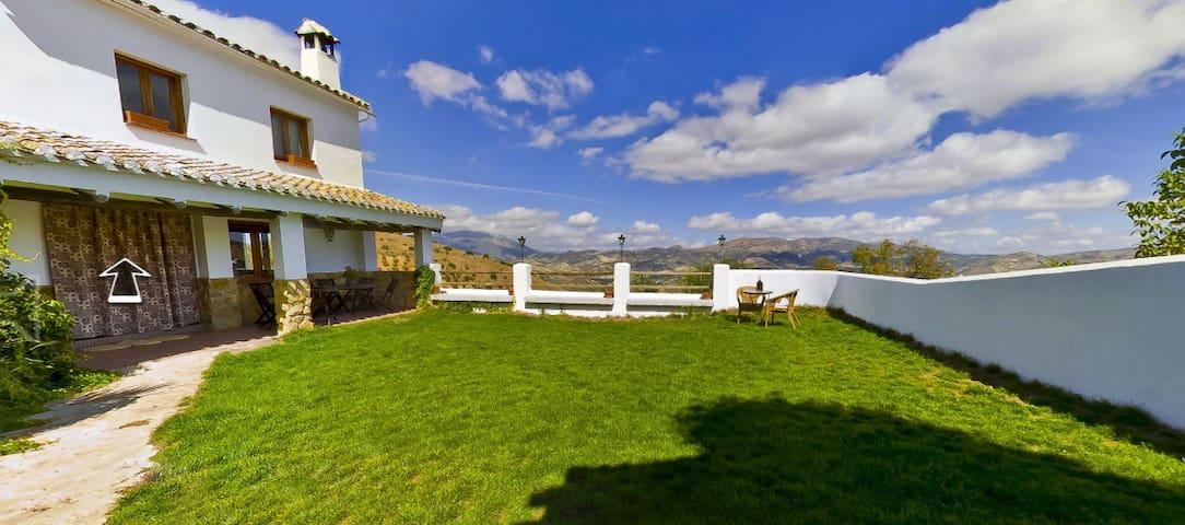 Dehesa de las Casas. Piscina, WI-FI - Montefrío - Hus