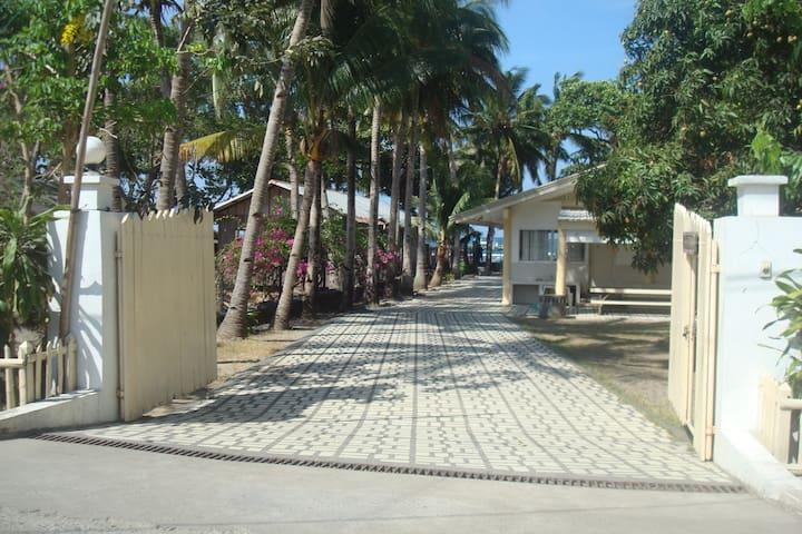 Tahahnan Beach Front Villa