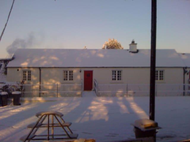 Kingsmills Cottages - Nuala's Neuk - Stewartstown - Daire