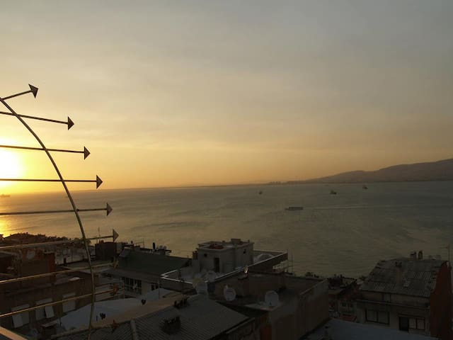 kordona çok yakın deniz manzaralı - Izmir - Bed & Breakfast