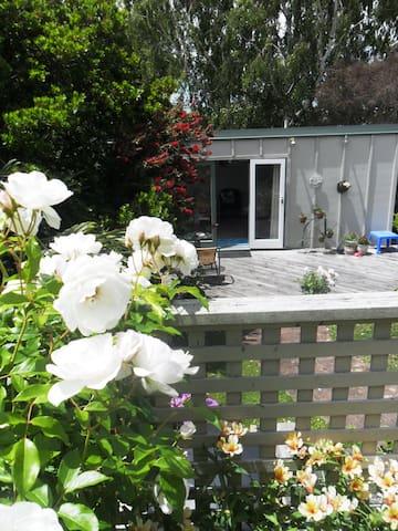 Bellbird Studio, Napier, Hawkes Bay - Napier - Bed & Breakfast