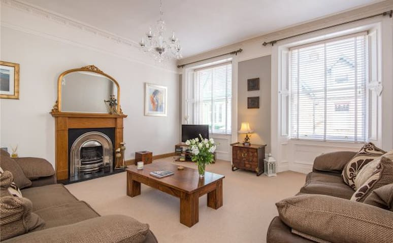 The Oystercatcher: Luxurious 6-bed - North Berwick