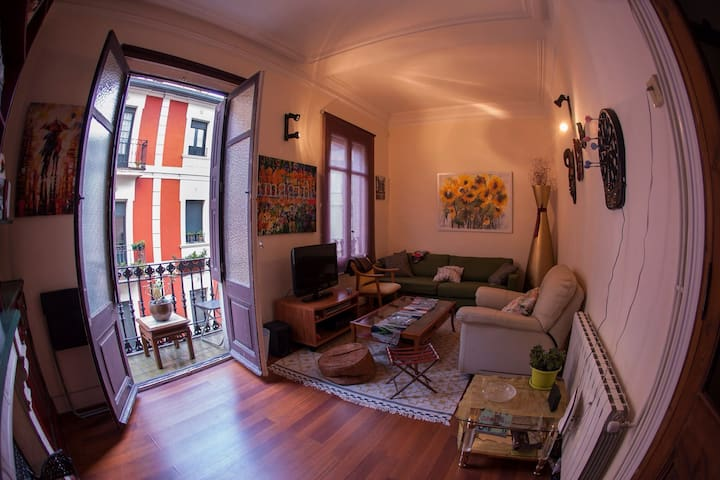 Lovely flat in the old town - Bilbao - Hus