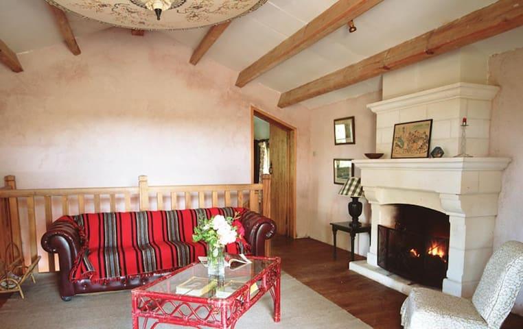 Idyllic rustic converted farmhouse in the Dordogne - Champagne-et-Fontaine - Hus