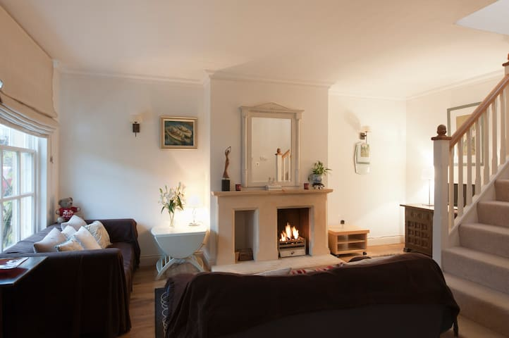 Comfy 3 Bed House Cirencester (3) - Cirencester