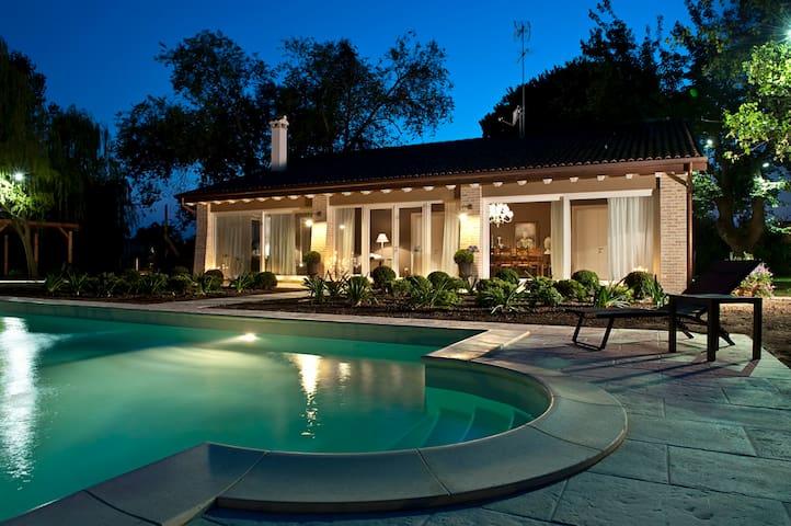 A Casa di Delia - Charming House - Silea - Bed & Breakfast