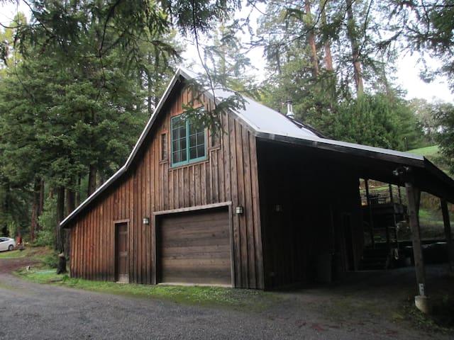 The Barn~ private, romantic, winter special 2017 - Comptche