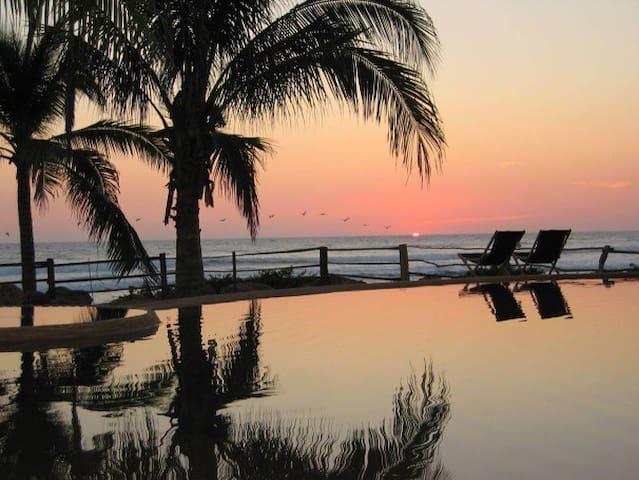 EcoLuxury Compound on Private Beach - Pantla - Bed & Breakfast