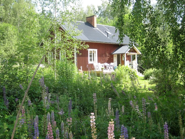 Beautiful comfortable country house - Storfors - Stuga