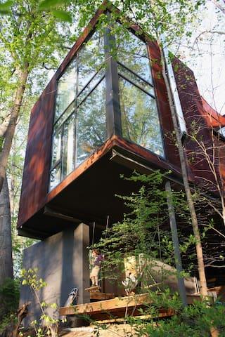 West A'ville sanctuary in the trees - Asheville