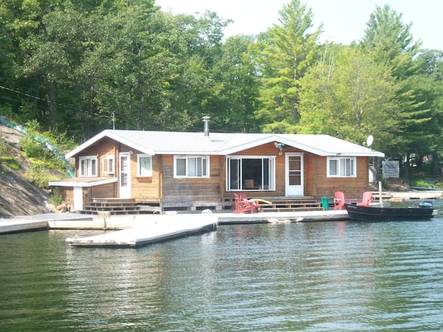 The Muskoka Panabode on the Water - Coldwater