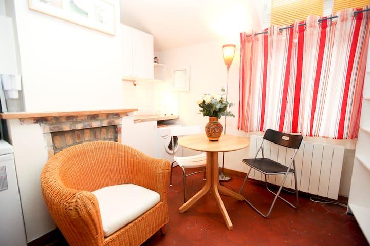 Charming studio in the Marais - París - Departamento