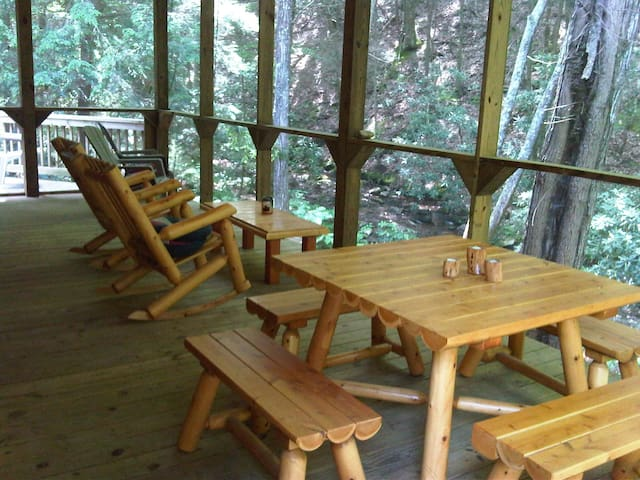 Secluded, Spacious Creekfront Lodge - Tellico Plains - Cabaña