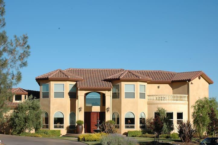 Bella Vista Estate - Bella Suite - Paradise - Hus