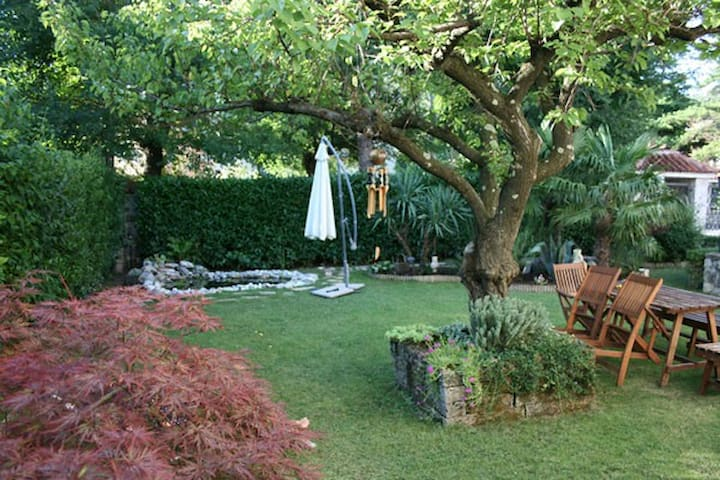Trieste, flat with garden in Duino - Duino - Hus