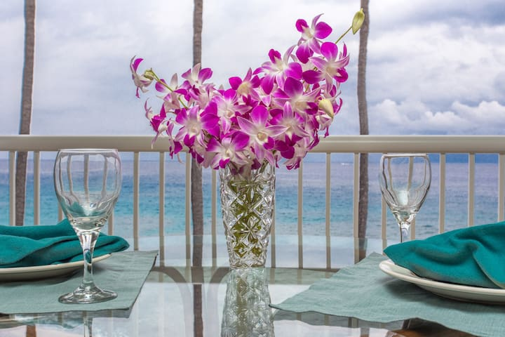 ABSOLUTELY OCEAN FRONT CONDO  - Kailua-Kona - Apartemen
