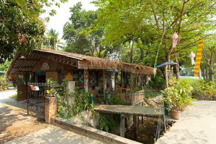 Cozy Hut In Garden Area.A-Hide-Away - Mueang Lamphun