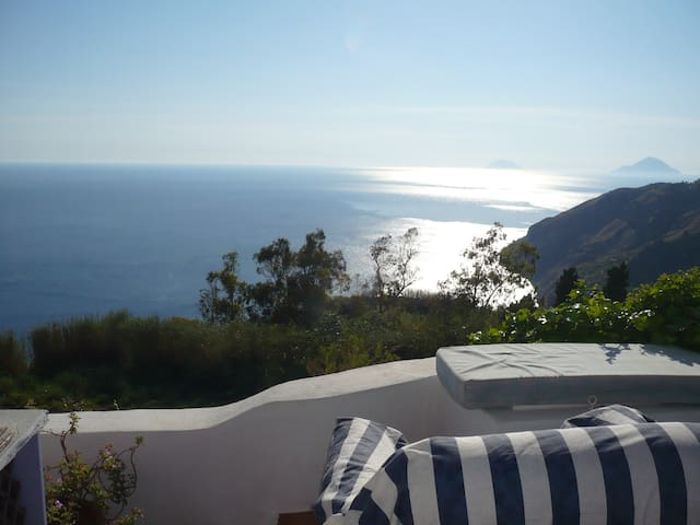 romantic getaway sea view , pool - Lipari - Chatka