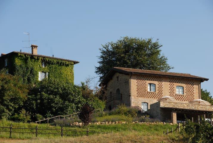 Country House La Cenerara (13 pers) - Velleia Romana - Вилла