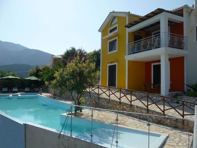 Villa Rose, luxury house,great view - Ellomenos - Villa
