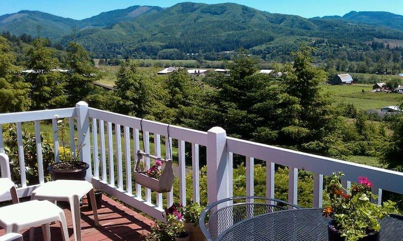 Oregon Coast The Extra Room Apt - Tillamook - Leilighet