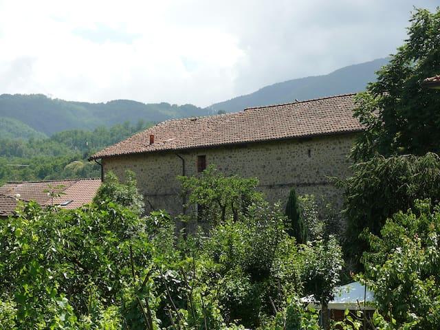 B&B Pontremoli near Cinque Terre and La Spezia - Stallone-talavorno - Bed & Breakfast