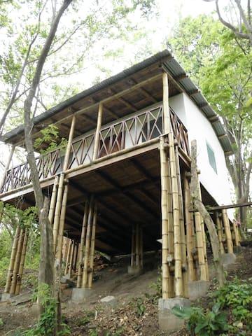 The Whitehouse of the Wild - San Juan del Sur - Cabane