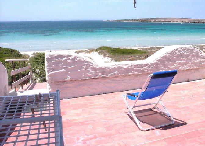 House on beach with great sea view - Putzu Idu - Apartamento