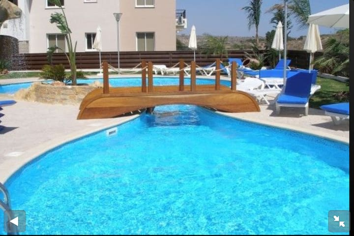 Lovely ground floor apartment with wi-fi - Pyla - Apartamento