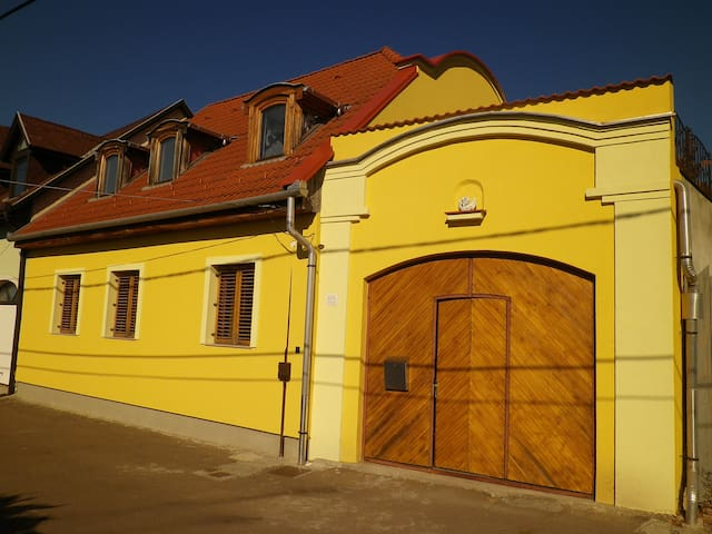 Apartman - Eger - Hus